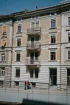 Unser Steinacherhaus: das sauberste, schönste Haus dieses Blocks - und so soll es bleiben!